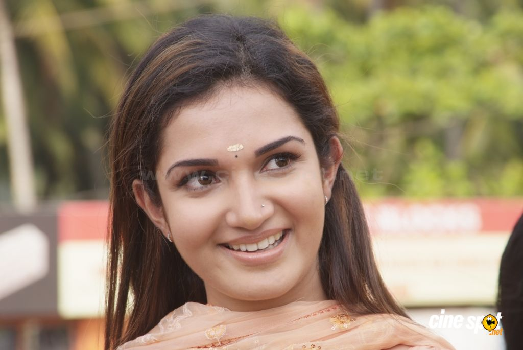 Honey Rose Malayalam Actress hot sexy photos pics