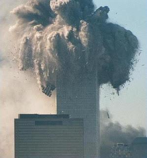 http://4.bp.blogspot.com/_Dbb8YtHwjj4/SRjVZJGdwAI/AAAAAAAAARc/QHiKAhHZzq4/s320/north_tower_collapse.jpg