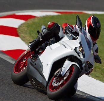 MOTORCYCLE DUCATI 848 EVO 2011