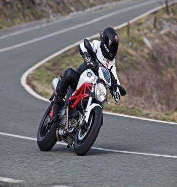 MOTORCYCLE DUCATI HYPERMOTARD 796 201
