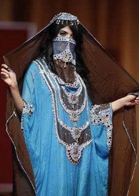 Turkey, Islamic, Titillating, Fashions, http://muslimmfashion.blogspot.com/