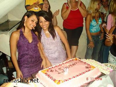 Mas Fotos de Las gemelas mas sexys del hi5