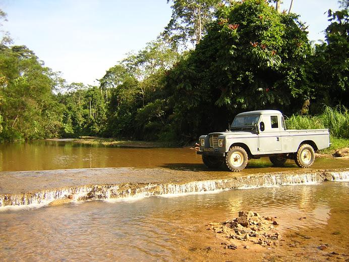 mandi-manda di Sungai Lepar ( kongsi Hakim )
