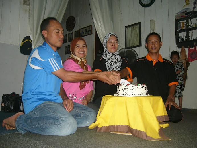selamat menyambut hari ulangtahun perkahwinan