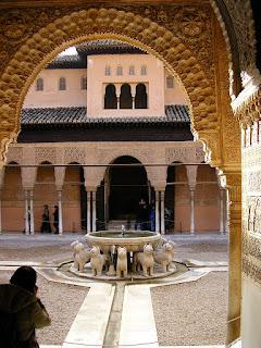 Obiective turistice Andaluzia: Alhambra Granada, gradina cu lei