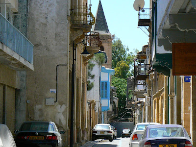Imagini Cipru: o strada care se infunda in Linia Verde in Nicosia de Sud