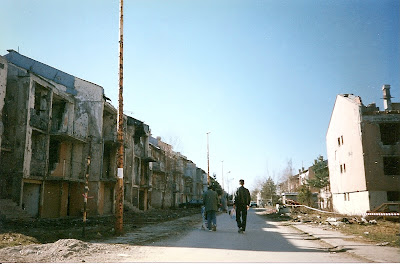 Imagini Bosnia: la plimbare printre mine in Grbavica, Sarajevo