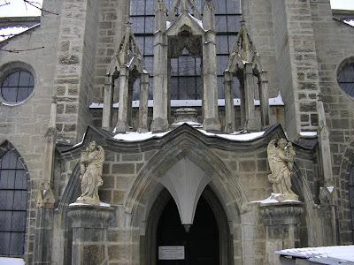 Obiective turistice Cehia: Kutna Hora biserica cu oase