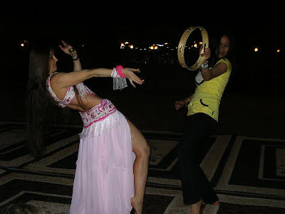 Imagini Dubai: Safari in desert, dans din buric, belly dancing