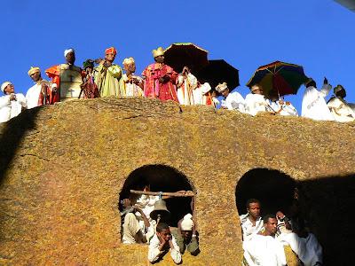 Imagini Etiopia: Craciun la Lalibela Beta Maryam procesiune preoti