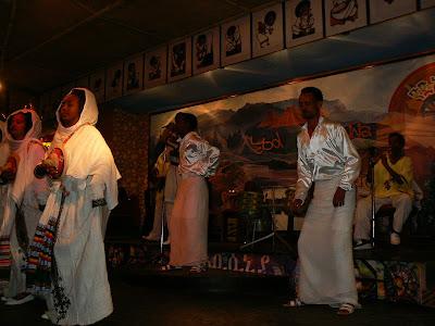 Obiective turistice Etiopia: spectacol folcloric Addis Ababa