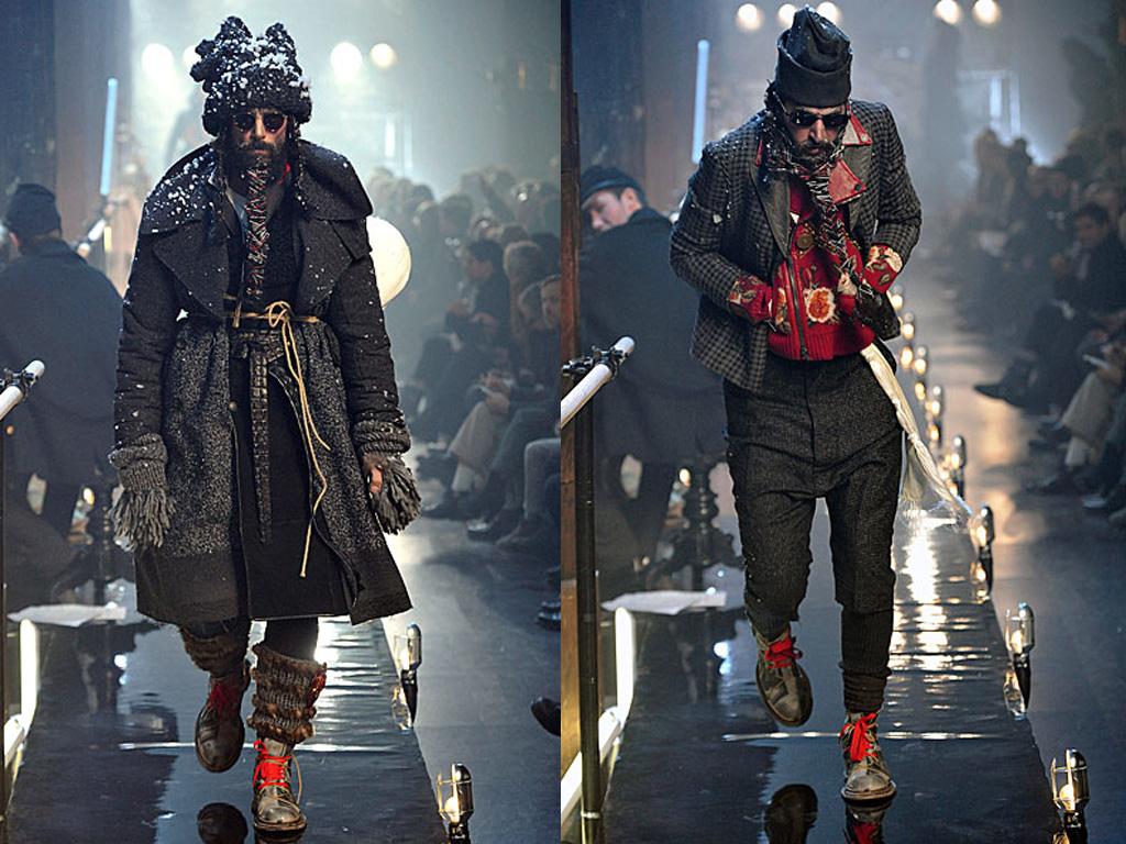 http://4.bp.blogspot.com/_DeverIwvj9g/TTv9Q_G-VvI/AAAAAAAAkF4/TiQYEfwrC0U/s1600/John+Galliano+Menswear+Paris+Fashion+Week+2011-7.jpg