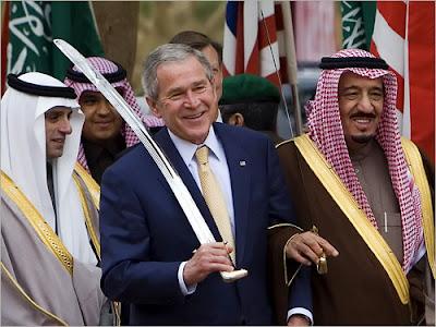عالمي ويكيليكس.. الإماراتيون: الشعب السعودي ينتظر أمريكا تغير النظام buch-al-suadi.jpg