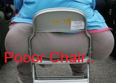 Funny photos:poor chair爆笑图片:可怜的椅子