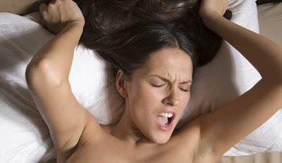 http://4.bp.blogspot.com/_DghvZznsZ8A/TMBlci-X6vI/AAAAAAAABbU/yA-8dTbkZxE/s1600/Orgasme-wanita.jpg