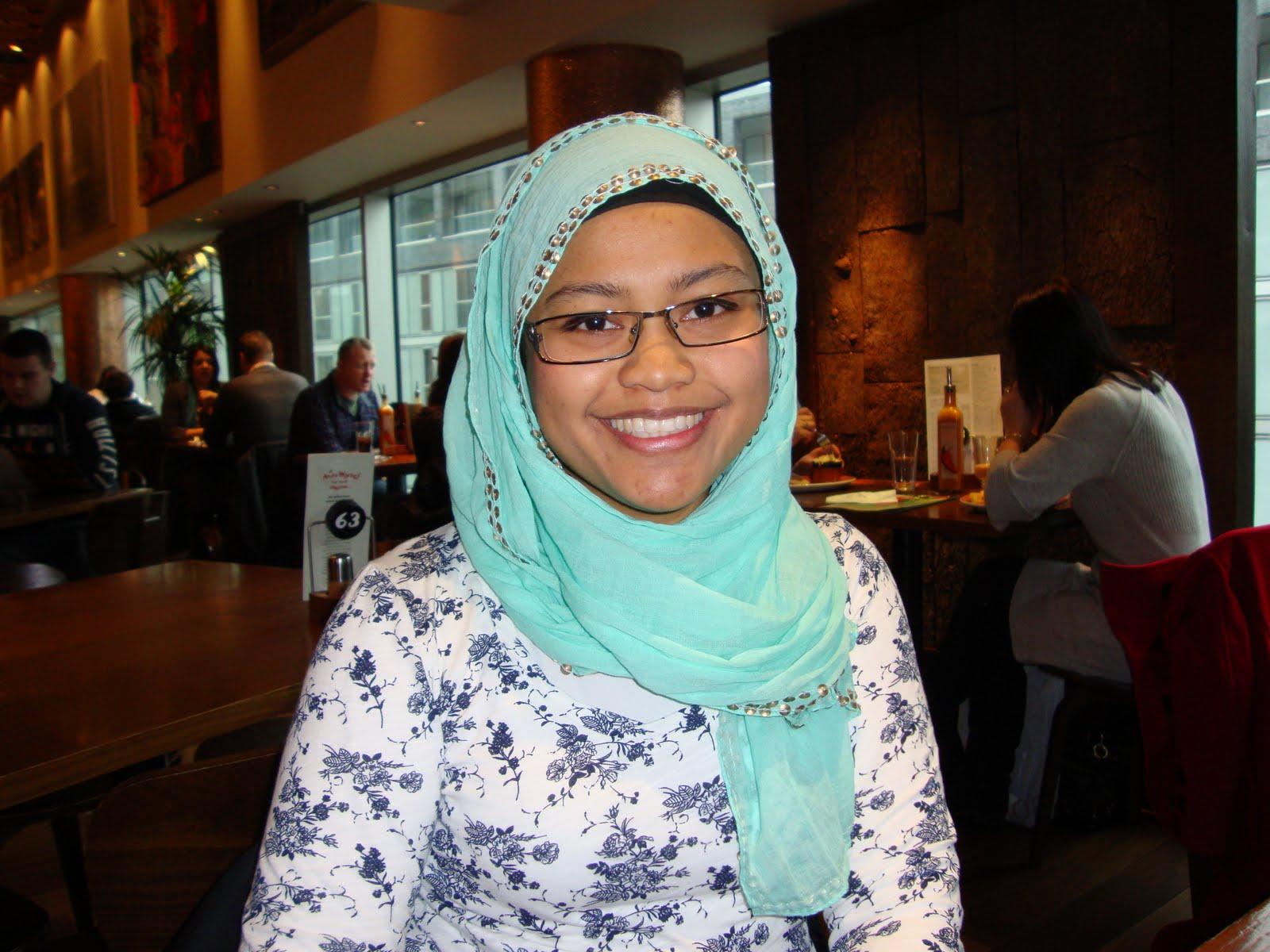 Cipap Ustazah Nurul http://genuardis.net/burit/burit-sedap-ustazah