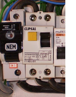 electrical installation wiring pictures 1 phase elcb connection rh electricalinstallationwiringpicture blogspot com Light Switch Wiring Diagram Ladder Diagram