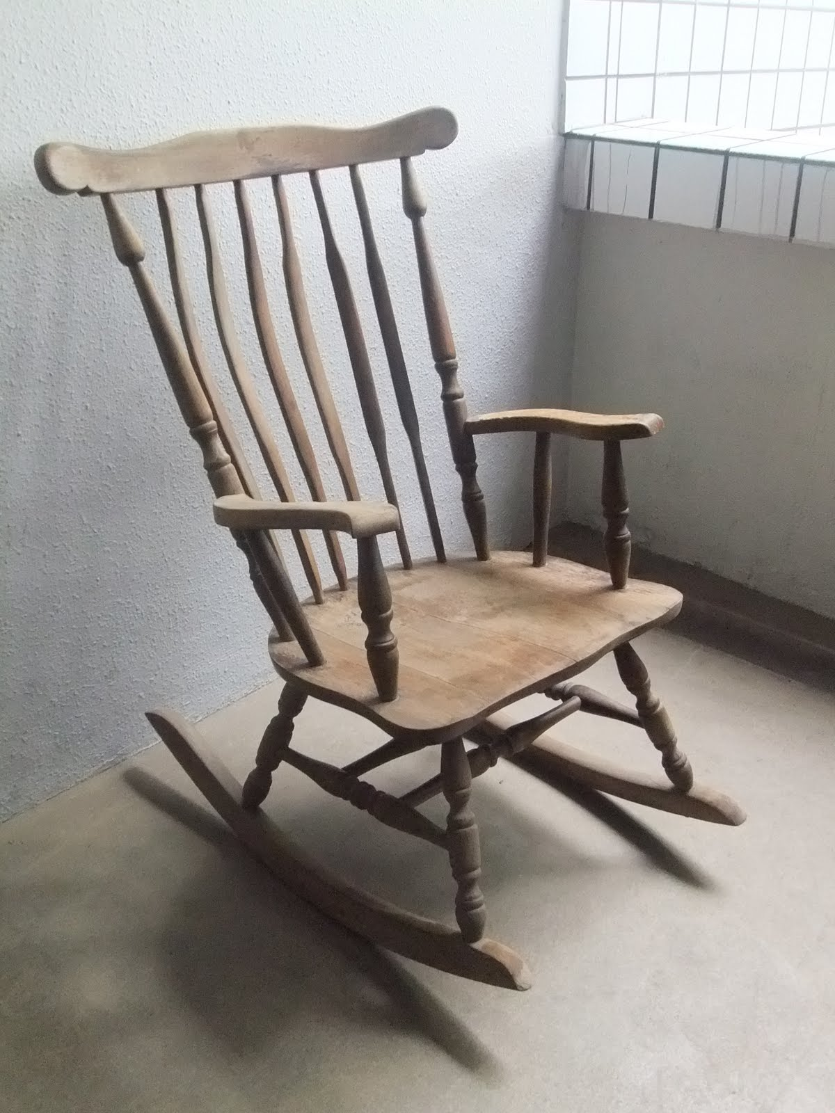 Wooden Rocking Chairs ~ Second charm vintage furniture at a great