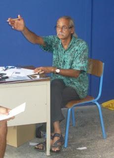 Jack Beng-Thi en pleine discussion passionnée