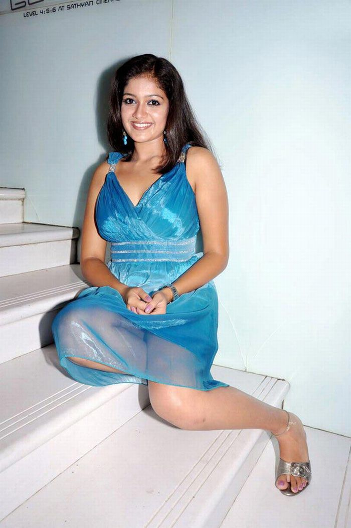 Scandals: South Actress Meghna Raj hot thigh show