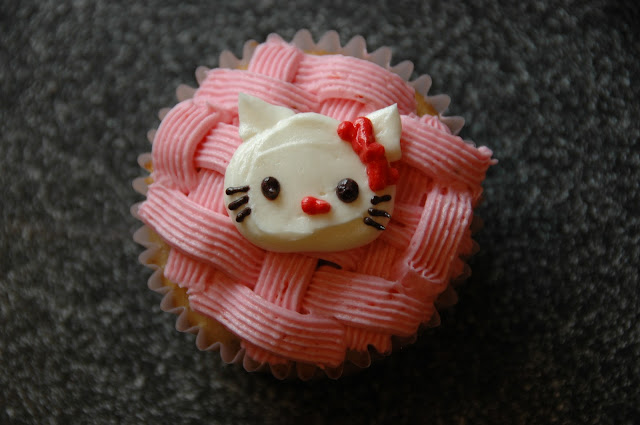 Hello Kitty Cupcake Decorating Ideas