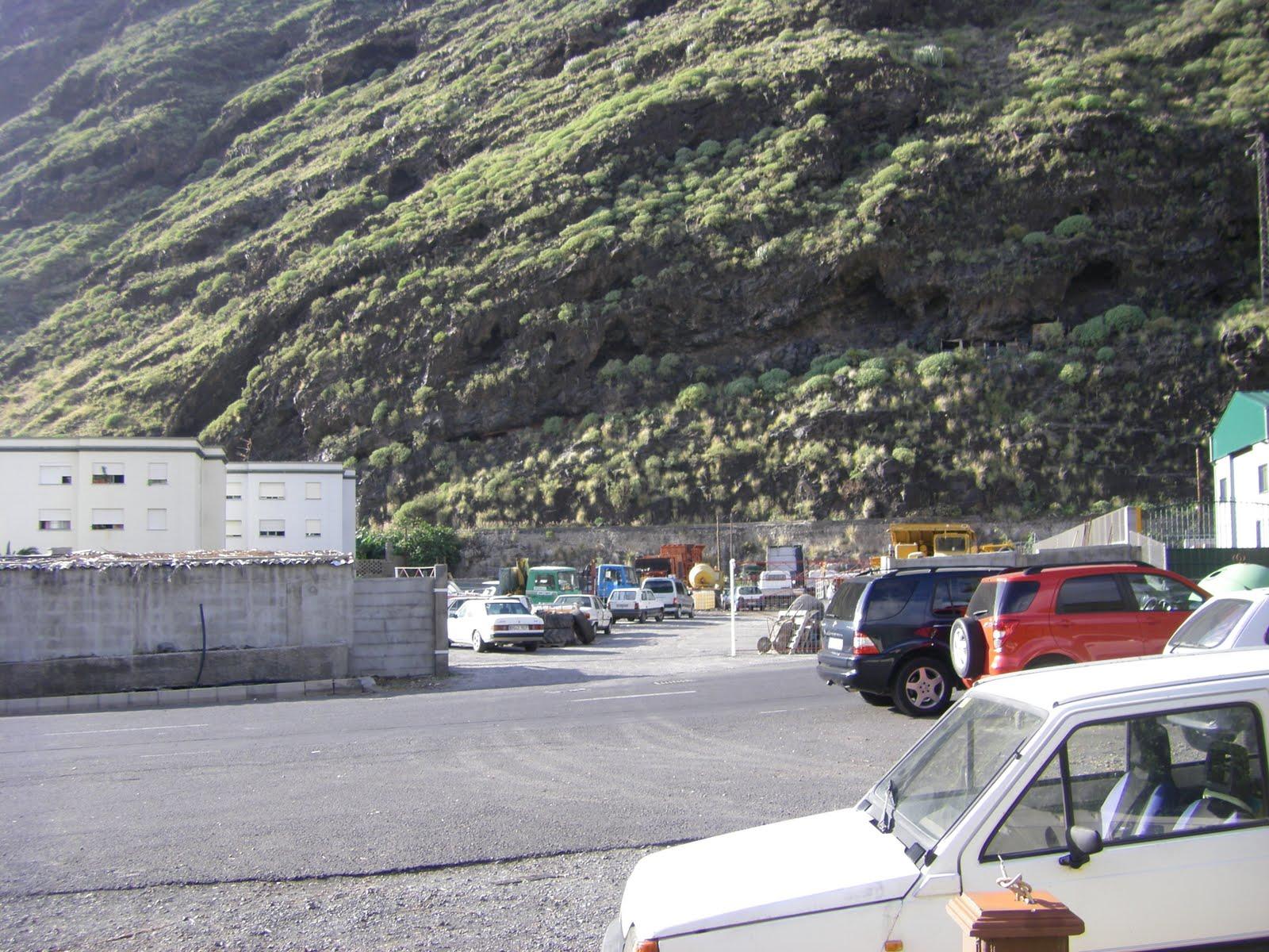 Garaje de vehiculos incontrolado el blog del puerto - Garaje de coches ...