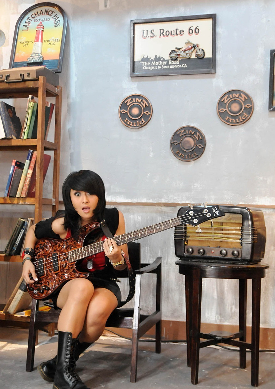 Chua Basis Kotak Band, Artis Indonesia, Cewek Cantik, Cewek Manis, Hot/Chua+Kotak5.jpg