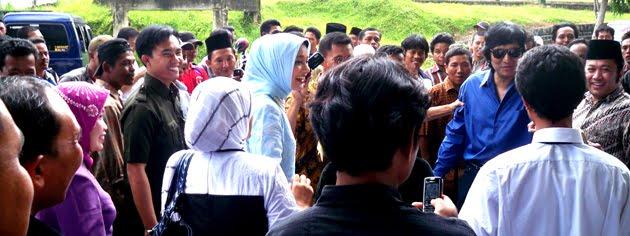 Selalu Mesra dan Kompak, Ikang Fawzi dan Marissa Haque dalam Lampung Selatan 2010