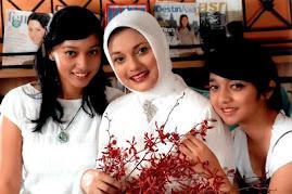 Dukungan Full Keluarga Ikang Fawzi untuk Lamsel 2010