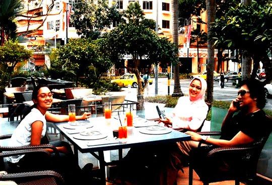 Mengantarkan Bella Memperdalam Ilmu Bahasa Inggris di RELC (SEAMEO) Singapura