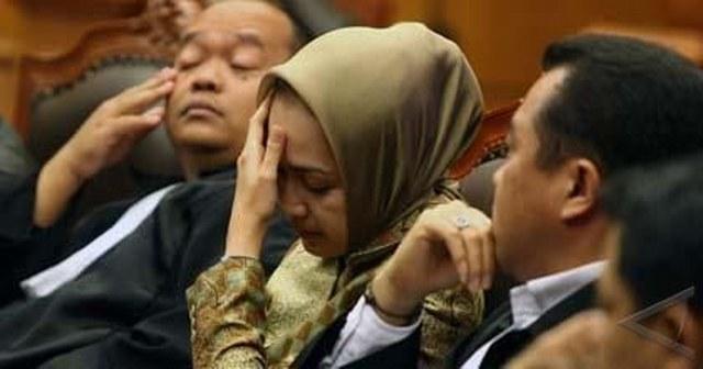 """Dugaan Mafia Politik Dibalik Kejahatan Hukum dengan 'Drive"""" Ekonomi Indonesia: Marissa Haque Fawzi"""