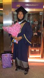Tahniah isteriku, atas kejayaan mengapai segulung ijazah