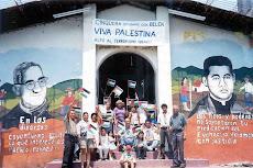 Don Paco Manzanares, de camisa gris asesinado por escuadrones junto a su esposa su crimen está impu