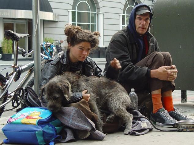 http://4.bp.blogspot.com/_DnmjuQRMFfc/S_hGFUacvEI/AAAAAAAACKM/NPMNeCV0mYM/s1600/homelessness+in+America.jpg