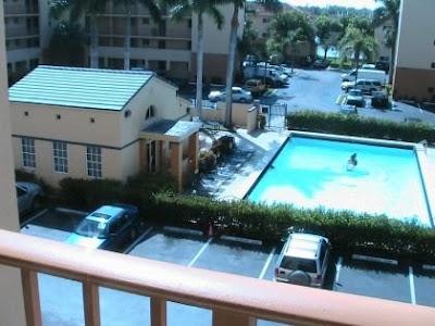 Apartamento con vista de piscina en Kendall Lakes Miami