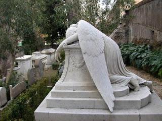 EL JUEGO DE LA FOTOX Angel_of_grief
