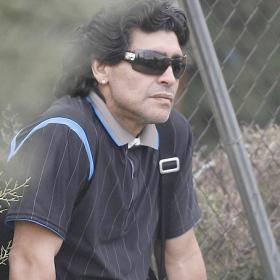 [Diego_Armando_Maradona.jpg]