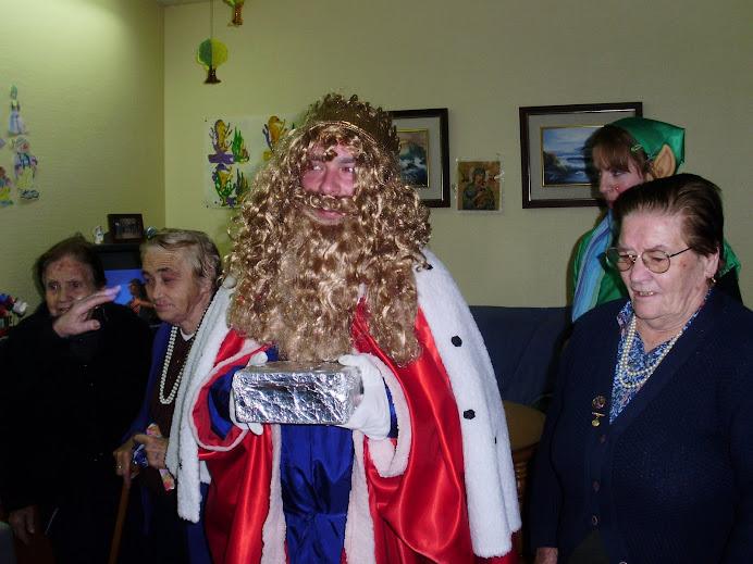Los Reyes Magos visitan los pisos tutelados