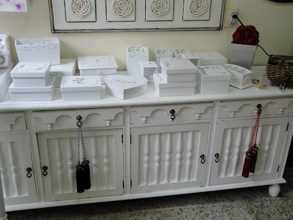 Arca antiga , onde trabalhamos a pátina provençal, caixas laqueadas diversos modelos.
