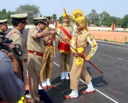 babus of india: Men in Uniform: More CISF jobs in 5 PSUs