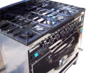 Cocina industrial 6 hornallas plancha y 2 hornos