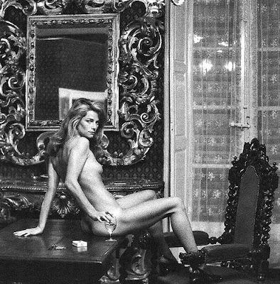 http://4.bp.blogspot.com/_DtsajQefh2s/SMUFnJj0OtI/AAAAAAAAPv8/Oto3miuyZaw/s400/Charlotte+Rampling-Newton+1974.jpg