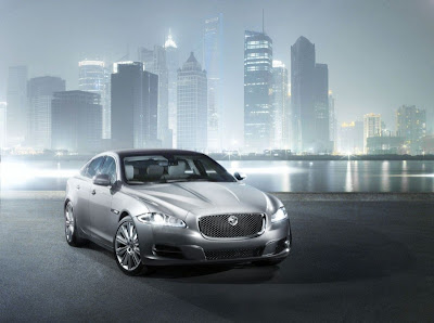 2010 Jaguar XJ Front View