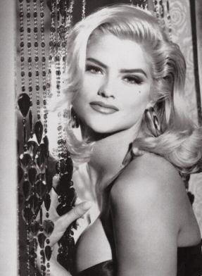 Williams gate actress anna nicole smith s gravesite in lakeview