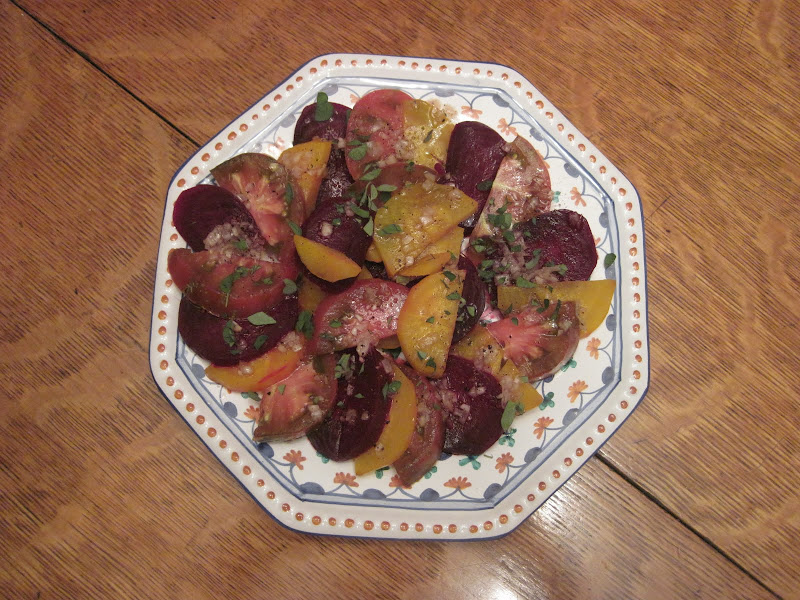 Beet and Tomato Salad : title=