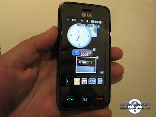 LG KC910 Renoir 8 Megapixel Phone