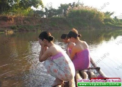 1009071616e229282aaac349f2 Chụp lén thôn nữ tắm sông
