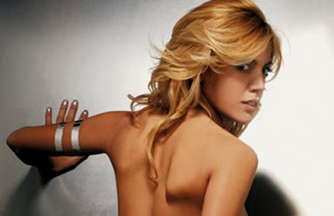 Revista Maxim http://tvdirectaonline.blogspot.com/2010/03/virginia-gallardo-en-revista-maxim.html