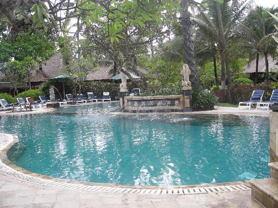 Best hotel gallery best hotel in kuta beach bali for Best hotels in bali near beach
