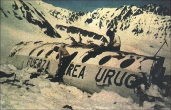 Tragedi Pesawat Uruguay Air Force Flight